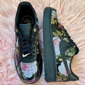 Nike Shoes - New Nike Women's Air Force 1 Black Floral Sneakers